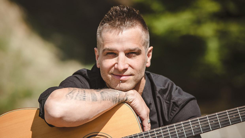 Slovenski glasbenik anzhe